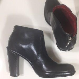 Tommy Hilfiger Black Leather Ankle Boots Zip Sz 7M